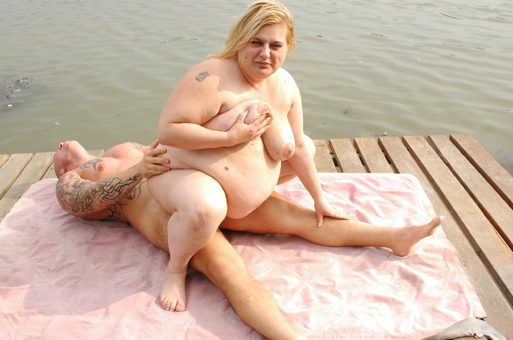 tselyulitnie-babi-golie